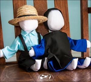 Amish-Boy-and-Girl-Doll-Set