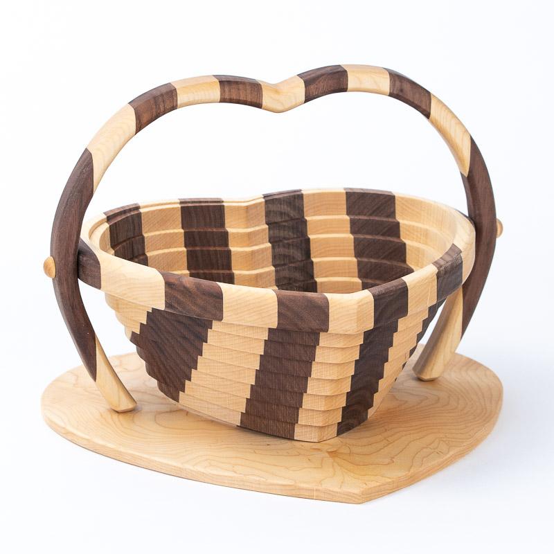 collapsible-basket-maple-walnut-heart