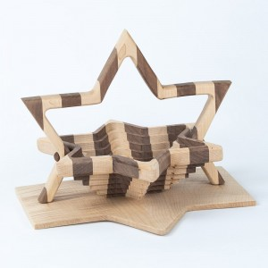 collapsible-basket-maple-walnut-star